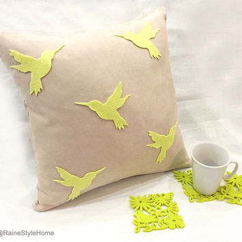 New Home Gift Set. Beige And Lime Green Humming Birds Decorative Pillow Cover. With 6 Pieces Botantical Garden Felt Coasters Set