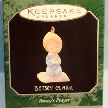 1998 Betsey's Prayer Hallmark Retired Miniature Ornament