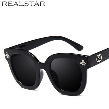 REALSTAR 2018 Fashion Square Frame Bee Sunglasses Women Luxury Brand Designer Vintage Sun Glasses Vintage Shades Oculos S419
