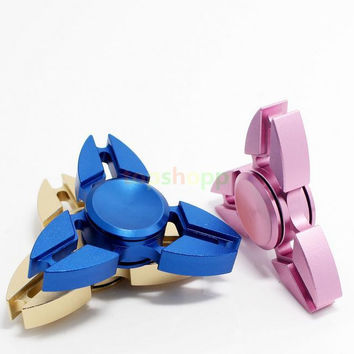 Aluminum Alloy Hand Fidget Spinners Mini Crab Claw Hands Spinner Rotate Decompression Finger Toy Triangle Spinning Top EDC Toys 50pcs