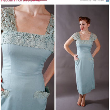 CHRISTMAS SALE - 1950s Vintage Dress - Aqua Linen Day Wiggle Dress with Lace - Sophie
