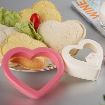 LIXYMO 2pcs/set Heart shaped Sandwich Cutters Moulds makers Dessert Snack Pastry Cookies Fruit Vegetables Molds Sushi DIY tools