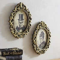 Duke & Duchess Skeleton Wall Decor