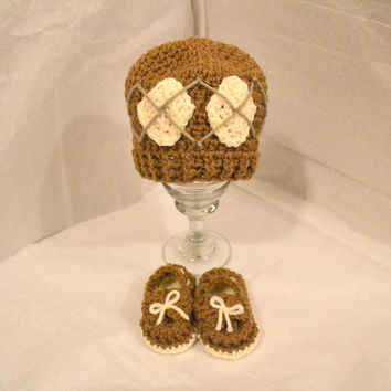 Light Brown Argyle Newborn Hat and Baby Boat Shoes, Welcome Home Set, Crochet Baby Hat, Crochet Baby Booties, Ready To Ship