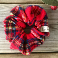 Christmas scrunchies, Tartan Royal Stewart scrunchies, Plaid Red Christmas hair tie, ponytail holder, Xmas present, red holiday hair tie