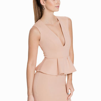 Low V Peplum Dress, NLY One