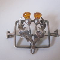 Antique / Vintage Sterling Silver & Citrine paste Thistle kilt pin / brooch. Fine jewellery