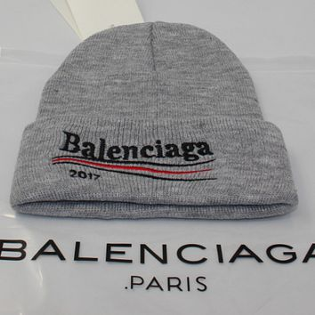 Balenciaga men and women winter warm big embroidery wild wool hat Gray