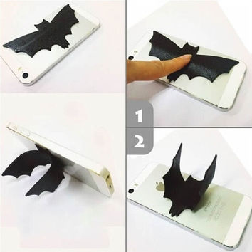 2pcs/lot Novelty Foldable Universal Bat Shape Soft Mobile Phone Stand Holder U Type (Color: Black) = 1927892548