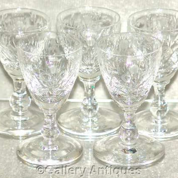 Five Rare Edinburgh Crystal EDI77 Pattern Crystal Cut Thistle and Flowers Cordial / Liqueur Glasses c1960's (ref: 3089)