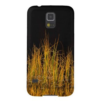 Yellow and orange reed in black water galaxy s5 cover