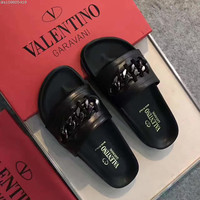 shosouvenir : Valentino Fashion casual men and women flip flops