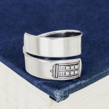 Bigger on the Inside Ring - Doctor Who - Tardis -  Wrap Ring