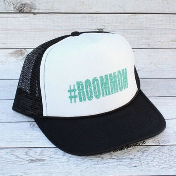 Room Mom - #ROOMMOM // Trucker Hat