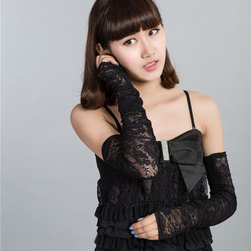 2017 hot new arrival high quality  fingerless gloves Sexy Women Lace Flower Fashion Vintage Shading Long Fingerless Arm Warmers