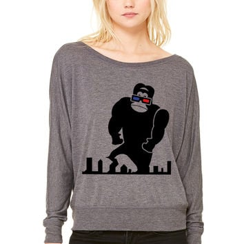 3D GORILLA RAMPAGE GEEK LIKES TO TRASH T WOMEN'S FLOWY LONG SLEEVE OFF SHOULDER TEE