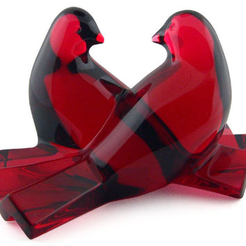 Baccarat Crystal Loving Doves Ruby Figurine 2102796