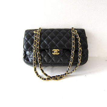 Vintage Replica Chanel Purse. 2.55 Quilted Leather Shoulder Purse. Gold Chain Purse.