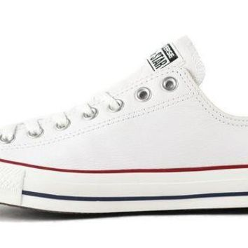 DCCKU62 Converse Unisex: CT Ox White Leather Sneaker