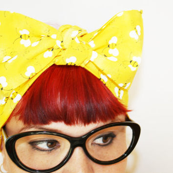 Bow hair tie Bees Bumble bee Summer time Rockabilly by OhHoneyHush