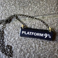 Platform 9 and 3/4 Harry Potter by SixAstray on Etsy