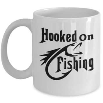 Hooked On Fishing - Novelty Fishing Coffee Cup - 11oz - Perfect Gift For A Fisherman