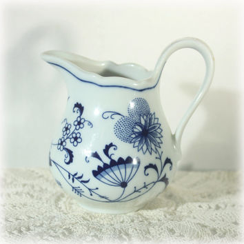 1918 Schwarzenbach Winterling Porcelain Blue Onion Creamer Transferware White Blue