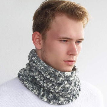Knit snood. Gray White infinity scarf. Chunky Knit Scarf. Man's Knit Circle Scarf. Knit Cowl Scarf. Unisex scarf. Teens, Women.