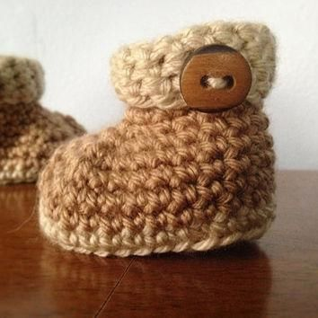 Crochet Newborn Baby Booties - Unisex Baby Shoes - Brown Button Booties - Crochet Gend