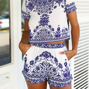 Blue White Short Sleeve Floral Crop Top With Shorts -SheIn(Sheinside)