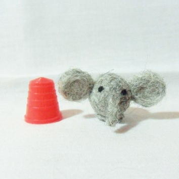 Needle Felted Elephant - miniature elephant - 100% corridale wool - micro animal - wool felt elephant