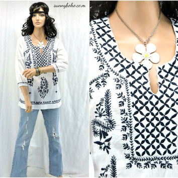 Ethnic Indie tunic top size S boho embroidered kaftan top / blouse hippie white cotton tunic top SunnyBohoVintage