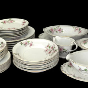 Hira Fine China Service for Six with Serving Pieces Made in Japan c1970's