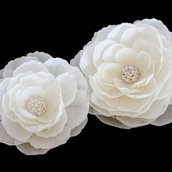 Bridal hair accessory, Set of 2 Whimsical Ivory Silk Flowers with Rhinestones Hair clips / Shoe clips / Brooch