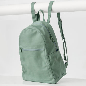 Minimal Zip Backpack Olive