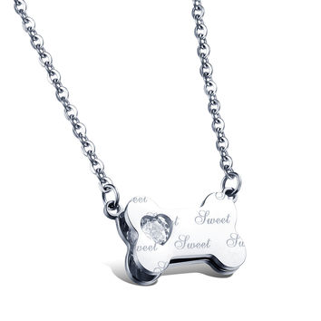 Sweet bone loving heart diamond necklace Laser English letters Lady's rose gold clavicle titanium steel chain