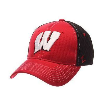 Licensed Wisconsin Badgers Official NCAA Rally 2 Small Hat Cap by Zephyr 480397 KO_19_1