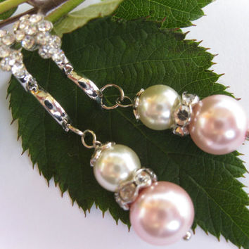 Blush Pink Pearl Bridesmaid Chandelier Earrings, Wedding Earrings, Post Earrings, Bridal Jewelry, Bridesmaid Jewelry, Bride Earrings