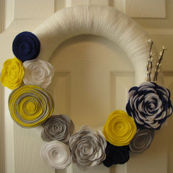 Door wreath -  White Door Hanging - Yellow/White Yarn Wreath with beautiful felt flowers and embellishments - Wall decor