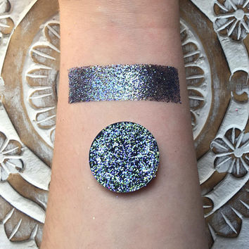 Iridescent ariel pressed glitter eyeshadow, 26mm magnetic pan or jar