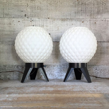 Lamp Milk Glass Lamps 2 Mid Century Lamps Plastic Milk Glass Table Lamps Space Age Lamps Bedside Lamps Pair of Mid Century Modern Lamps