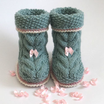 Hand Knitted baby Booties/Boots/Slippers/Shoes,Really Cute Hand Knitted Baby Girl Booties/Boots - Size New born 0 to 3 months