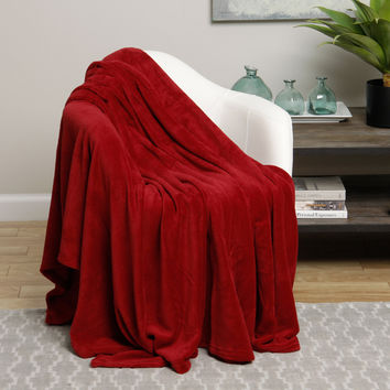 Ultra Plush Red Design Full Size Microplush Blanket