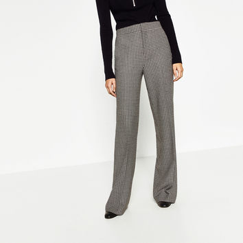 CHECKED WIDE-LEG TROUSERS DETAILS