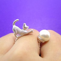 3D Kitty Cat Chasing a Pearl Ball Shaped Animal Ring in Silver