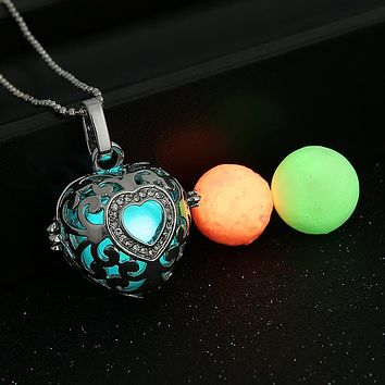 Heart Glow in the Dark Oil Diffuser Necklace