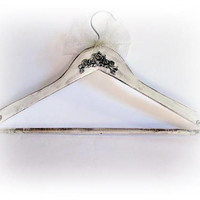 White Gown Hanger Antique Dress Hanger Personalized Wedding Hanger Bride Hanger Wedding Name Hanger Bridal Shower Gift Briddesmaid Hanger