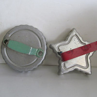 Vintage Cookie Cutters GREEN Metal Handle Cookie Cutters Instant Collection Vintage aluminum Cookie cutters Star Shaped Cookie Cutters Red