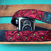 Leather camera strap with traditional Guatemalan embroidery - Enredadera (Vine) in maroon, red, olive green - ENC4