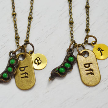 best friend necklace,personalized pea pod jewelry,best friend gift,bff necklace,initial necklace,best friend gift set,twin sisters jewelry
